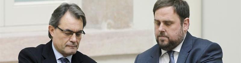 01a Artur Mas y Oriol Junqueras tras la firma del 'Acuerdo para la Transición Nacional'