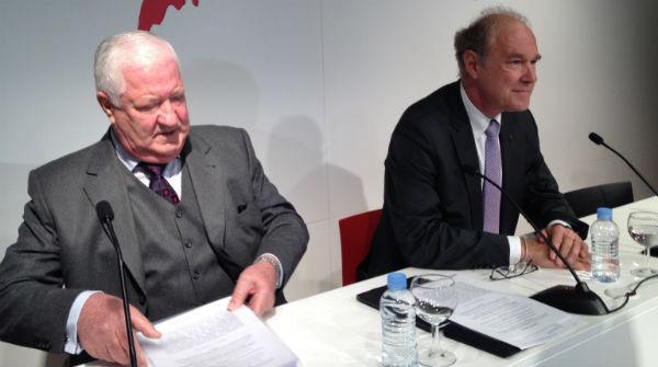 03d Albert Peters y Gerhard Esser durante la presentación del manifiesto la 'Declaración de Barcelona'